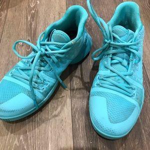 Nike Kyrie 3GS Women's basketball shoes